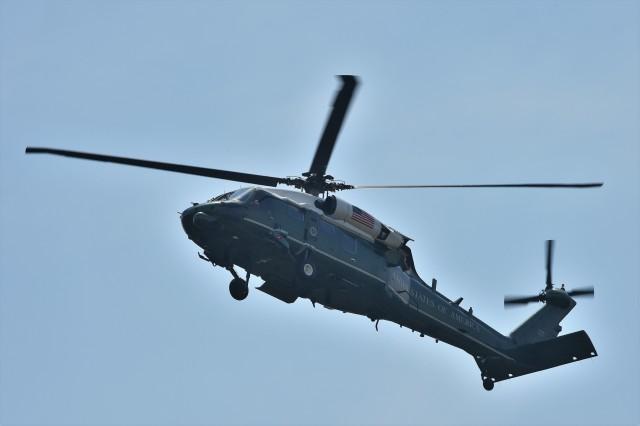 B747‐400さんが、赤坂プレスセンターで撮影したアメリカ海兵隊 VH-60N White Hawk (S-70A)の航空フォト(飛行機 写真・画像)
