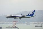 garrettさんが、香港国際空港で撮影した全日空 767-381/ERの航空フォト(写真)