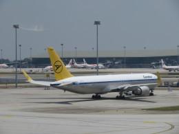 くろぼしさんが、クアラルンプール国際空港で撮影したコンドル 767-31B/ERの航空フォト(飛行機 写真・画像)