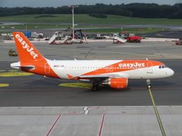 た~きゅんさんが、ハンブルク空港で撮影したイージージェット・スイス A319-111の航空フォト(飛行機 写真・画像)