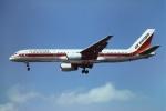 tassさんが、ロンドン・ガトウィック空港で撮影したエア・ヨーロッパ 757-236の航空フォト(飛行機 写真・画像)