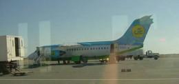 kumachanさんが、ウルゲンチ空港で撮影したウズベキスタン航空 BAe-146/Avro RJの航空フォト(飛行機 写真・画像)