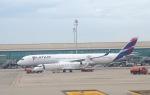 Harry Lennonさんが、バルセロナ空港で撮影したカタール航空 A350-941XWBの航空フォト(飛行機 写真・画像)