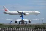 飛行機ゆうちゃんさんが、羽田空港で撮影した日本航空 777-246/ERの航空フォト(写真)