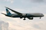 採れたてほしいもさんが、ロンドン・ヒースロー空港で撮影したオマーン航空 787-9の航空フォト(写真)