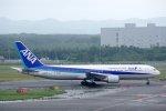 kitayocchiさんが、新千歳空港で撮影した全日空 767-381/ERの航空フォト(写真)
