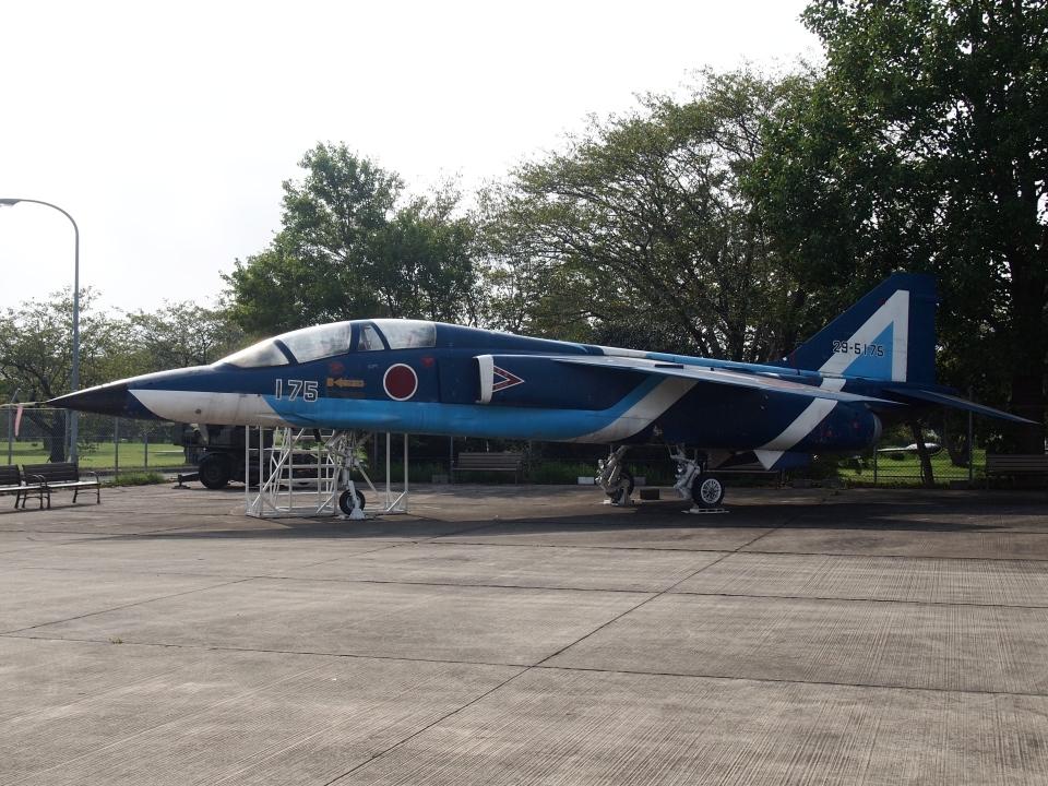 FT51ANさんの航空自衛隊 Mitsubishi T-2 (29-5175) 航空フォト