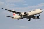 ドラパチさんが、羽田空港で撮影した日本航空 777-246/ERの航空フォト(写真)
