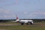 funi9280さんが、新千歳空港で撮影した日本航空 777-246の航空フォト(飛行機 写真・画像)