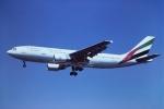 tassさんが、ロンドン・ガトウィック空港で撮影したエミレーツ航空 A300B4-605Rの航空フォト(飛行機 写真・画像)