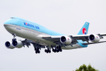 chrisshoさんが、ロンドン・ヒースロー空港で撮影した大韓航空 747-8B5の航空フォト(写真)
