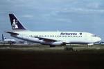 tassさんが、ロンドン・ガトウィック空港で撮影したブリタニア・エアウェイズ 737-204/Advの航空フォト(飛行機 写真・画像)