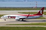 セブンさんが、関西国際空港で撮影したティーウェイ航空 737-8ALの航空フォト(飛行機 写真・画像)