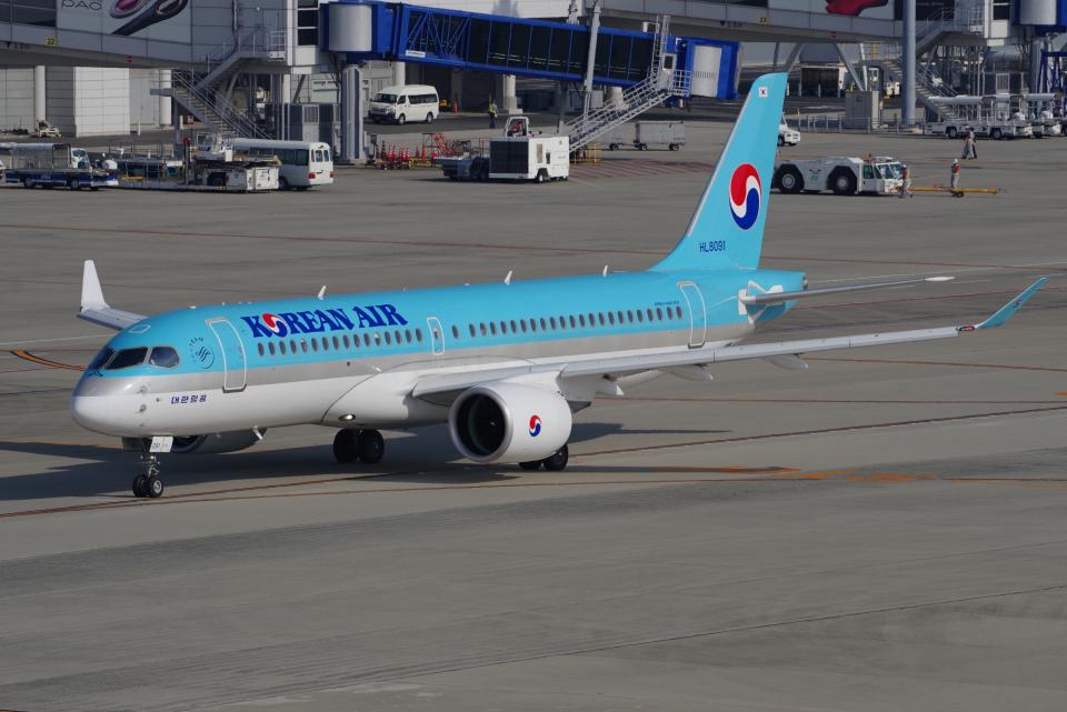 yabyanさんの大韓航空 Airbus A220-300 (HL8091) 航空フォト