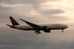 kuro2059さんが、成田国際空港で撮影したデルタ航空 777-232/LRの航空フォト(写真)
