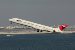 やつはしさんが、羽田空港で撮影した日本航空 MD-90-30の航空フォト(写真)