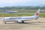 Kuuさんが、高松空港で撮影した日本航空 737-846の航空フォト(写真)