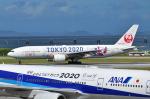 EC5Wさんが、那覇空港で撮影した日本航空 777-246の航空フォト(写真)