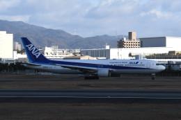 kuro2059さんが、伊丹空港で撮影した全日空 767-381の航空フォト(写真)