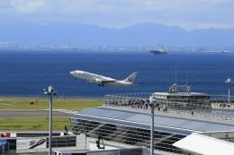 ☆ライダーさんが、中部国際空港で撮影した日本航空 737-846の航空フォト(飛行機 写真・画像)