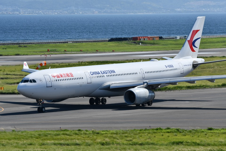 k-spotterさんの中国東方航空 Airbus A330-300 (B-8968) 航空フォト