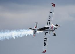 チャーリーマイクさんが、幕張で撮影したエアクラフト・ギャランティ (AGC) Edge 540 V3の航空フォト(飛行機 写真・画像)