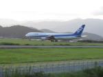 Y.T.さんが、高知空港で撮影した全日空 767-381/ERの航空フォト(写真)