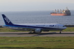 rokko2000さんが、神戸空港で撮影した全日空 777-281/ERの航空フォト(写真)