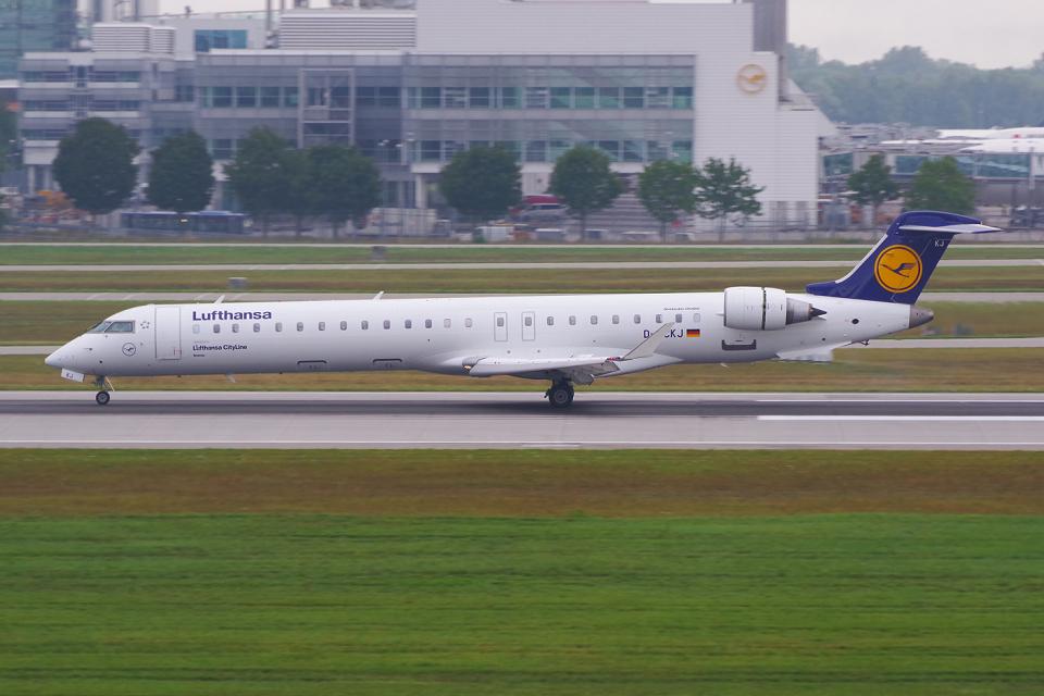 PASSENGERさんのルフトハンザ・シティライン Bombardier CRJ-900 (D-ACKJ) 航空フォト