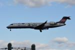 kuro2059さんが、伊丹空港で撮影したアイベックスエアラインズ CL-600-2C10 Regional Jet CRJ-702ERの航空フォト(飛行機 写真・画像)