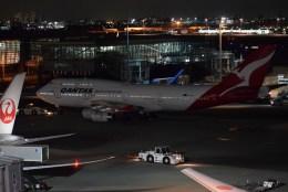 よんすけさんが、羽田空港で撮影したカンタス航空 747-438の航空フォト(飛行機 写真・画像)