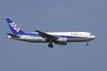 senyoさんが、羽田空港で撮影した全日空 767-281の航空フォト(写真)