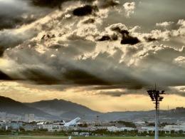 monjiro22001さんが、伊丹空港で撮影したジェイエア ERJ-190-100(ERJ-190STD)の航空フォト(飛行機 写真・画像)