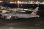 ゆう改めてさんが、羽田空港で撮影した日本航空 777-246/ERの航空フォト(写真)