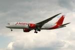 採れたてほしいもさんが、ロンドン・ヒースロー空港で撮影したアビアンカ航空 787-8 Dreamlinerの航空フォト(写真)