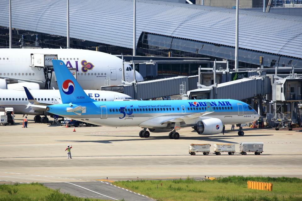 T.Sazenさんの大韓航空 Airbus A220-300 (HL8314) 航空フォト