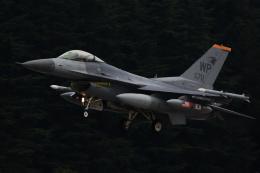 banshee02さんが、横田基地で撮影したアメリカ空軍 F-16CM-40-CF Fighting Falconの航空フォト(飛行機 写真・画像)