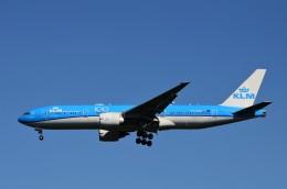 JMBResonaさんが、ワシントン・ダレス国際空港で撮影したKLMオランダ航空 777-206/ERの航空フォト(飛行機 写真・画像)