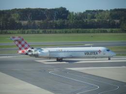 hana父さんが、ウィーン国際空港で撮影したボロテア 717-2BLの航空フォト(飛行機 写真・画像)