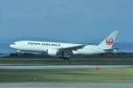 kumagorouさんが、那覇空港で撮影した日本航空 777-246の航空フォト(写真)