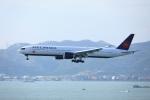 garrettさんが、香港国際空港で撮影したエア・カナダ 777-333/ERの航空フォト(写真)