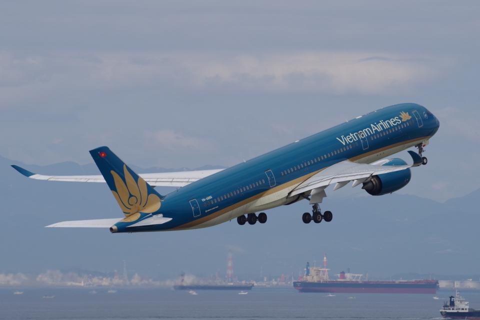 yabyanさんのベトナム航空 Airbus A350-900 (VN-A886) 航空フォト