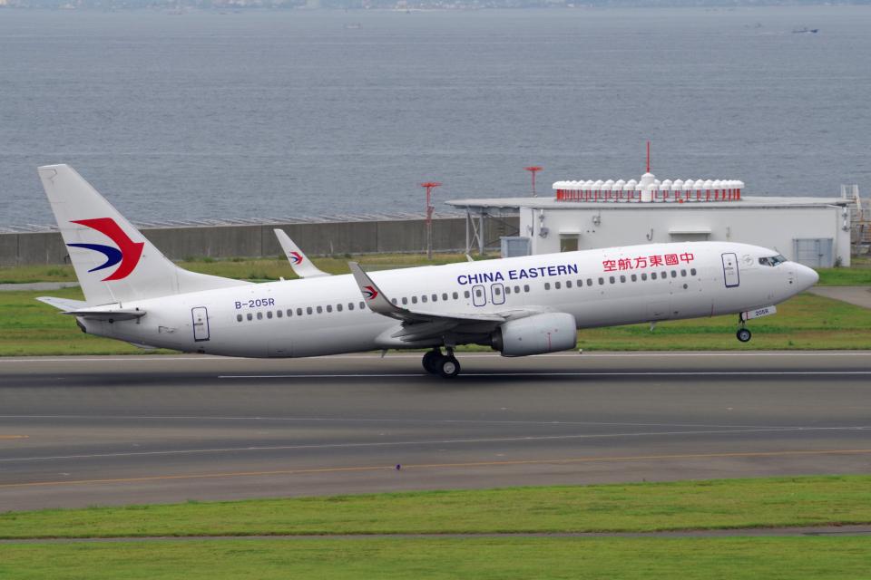 yabyanさんの中国東方航空 Boeing 737-800 (B-205R) 航空フォト