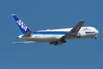 たにやん99さんが、小松空港で撮影した全日空 767-381/ERの航空フォト(写真)
