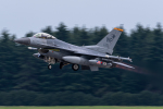 みぐさんが、横田基地で撮影したアメリカ空軍 F-16CM-40-CF Fighting Falconの航空フォト(写真)