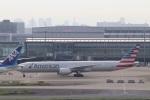 k_n_k01さんが、羽田空港で撮影したアメリカン航空 777-323/ERの航空フォト(写真)
