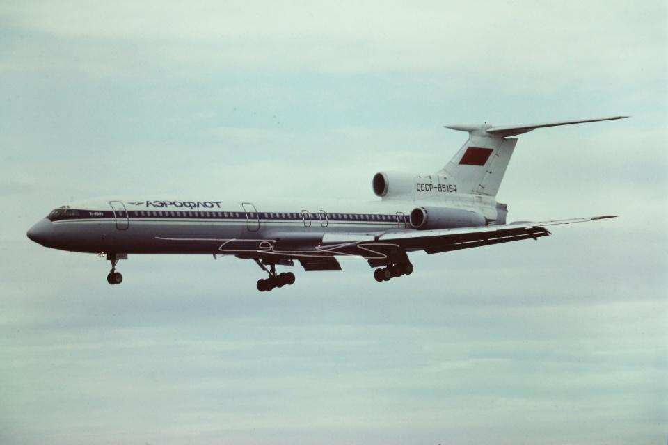 tassさんのアエロフロート・ロシア航空 Tupolev Tu-154/155 (CCCP-85164) 航空フォト