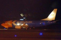 KAZKAZさんが、スカルノハッタ国際空港で撮影したマイ・インド・エアラインズ 737-330(QC)の航空フォト(飛行機 写真・画像)