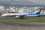 mototripさんが、福岡空港で撮影した全日空 777-381の航空フォト(写真)