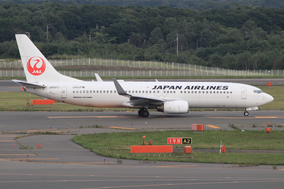 キイロイトリさんの日本航空 Boeing 737-800 (JA327J) 航空フォト